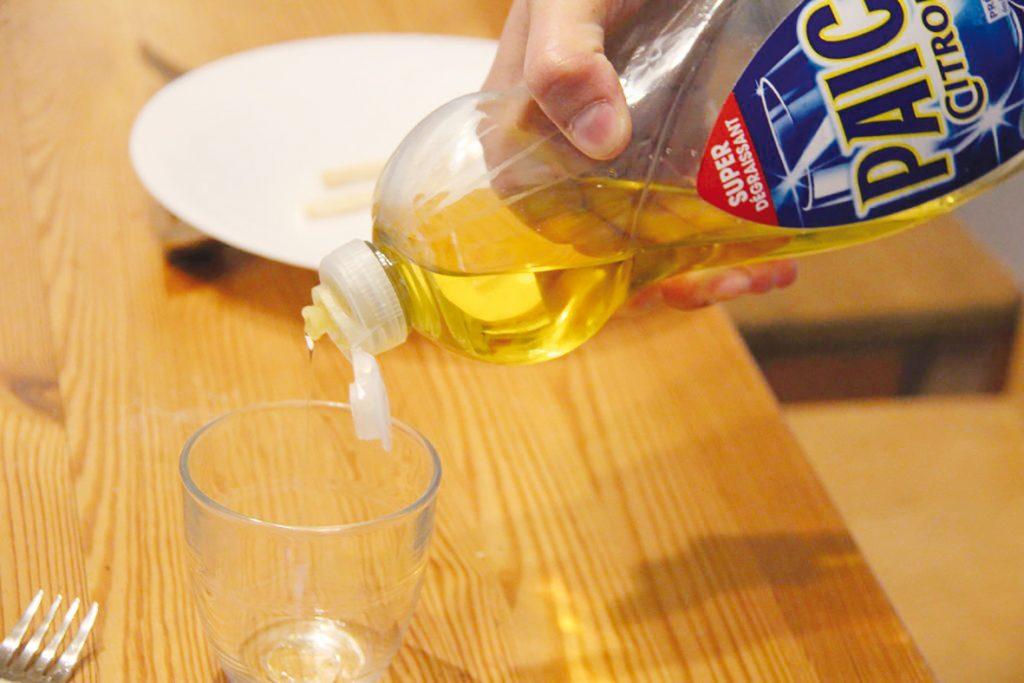 Faut-il interdire le liquide vaisselle ?