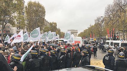 Mobilisation FNSEA/JA  : un millier de tracteurs sur le périphérique parisien